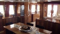 Salon on board Drettmann Bandido 90 yacht